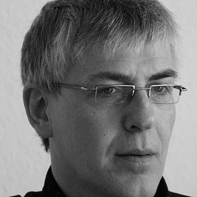 Dr. Bernd Schumacher